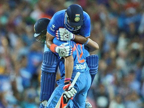 Suresh Raina, Yuvraj Singh, Ind vs Aus, T20, India, Australia, Whitewash, Sport, Run-chase, Sydney