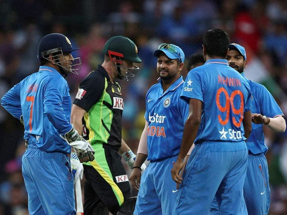 MS Dhoni, Ravichandran Ashwin, Ind vs Aus, T20, India, Australia, Whitewash, Sport, Run-chase, Sydney