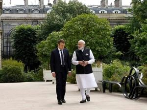 Narendra Modi and Emmanuel Macron at Elysee Palace
