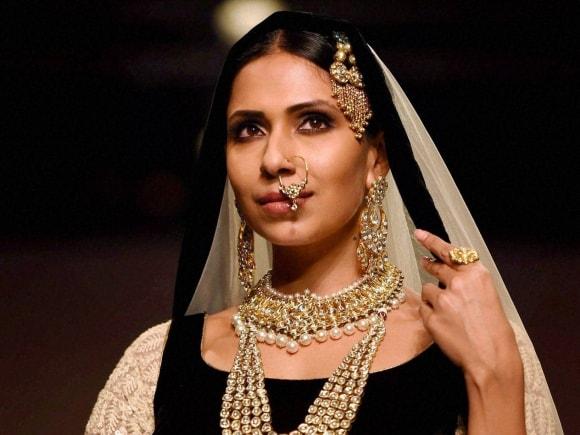 Jewellery, India International Jewellery Week, Fashion Show, Mumbai, India, International, model