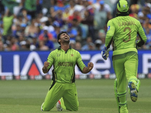 Sohail Khan, Umar Akmal, India vs Pakistan, World Cup 2015, Adelaide, Australia