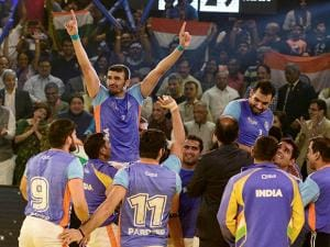 Indian players celebrate after beating Iran by 39-28 points
