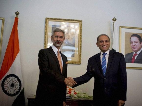 Indian Foreign Secretary,  S Jaishankar, Pakistan Foreign Secretary, Aizaz Chaudhry,  Islamabad, Pakistan,