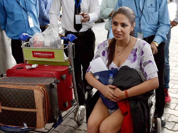 Pooja Mishra, Nepal Earthquake, Nepal, Earthquake, India, IGI Airport T3, Narendra Modi, Modi