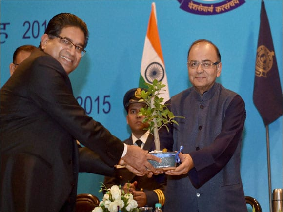 Investiture Ceremony 2015, International Customs Day 2015, Arun Jaitley,CBEC Chairperson Kaushal Srivastava,Union Minister for Finance in india,