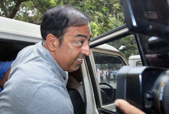 Actor Vindoo being produced at a local court in Mumbai on Tuesday after his arrest in IPL spot fixing scandal