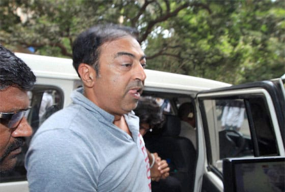 Actor Vindoo Dara Singh being produced at a local court in Mumbai on Tuesday after his arrest in IPL spot fixing scandal