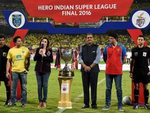 Sachin Tendulkar, Sourav Ganguly, Nita Ambani  and Praful Patel, President All  India Football Federation