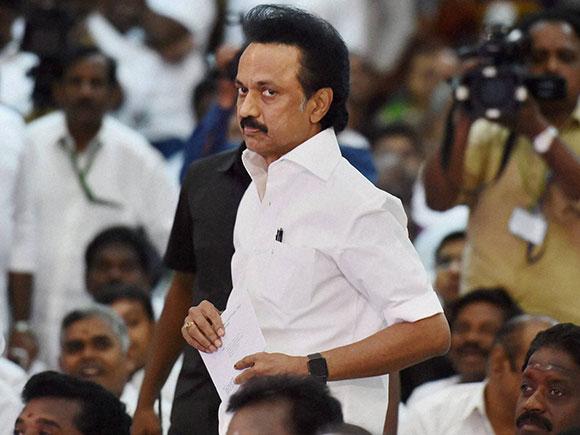 Jayalalitha, Jayalalitha Swearing in Ceremony 2016, Jayalalitha Swearing in Ceremony, Jayalalitha news, Jayalalitha Oath Taking Ceremony, Jayalalitha Images, Jaya tv, Jayalalithaa Today Meeting, Karunanidhi, MK Stalin, AIADMK, DMK, Tamil Nadu