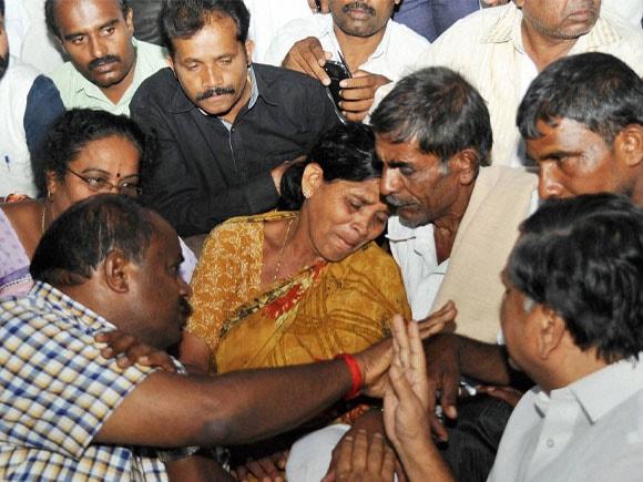 IAS Officer, DK Ravi, CBI, Karnataka CM, Siddaramaiah, Kumaraswamy, Eshwarappa, Jagadish Shettar