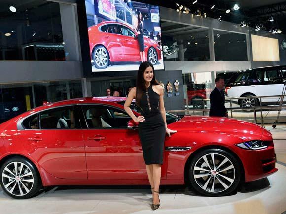 Jaguar , Jaugar Xe ,Auto expo, Delhi auto expo, JLR, Tata motors, Katrina kaif, Sports Saloon