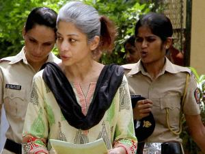 Sheena Bora Murder case accused Indrani Mukerjea being taken to the Session Court in Mumbai (2)