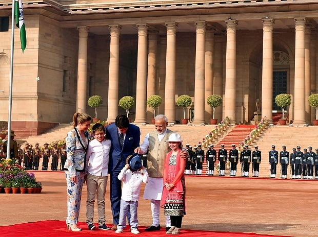 Justin Trudeau,India visit, Sophie Gregoire, Ella-Grace Margaret Trudeau, Xavier James Trudeau, Hadrien Trudeau, Narendra Modi, Akshardham temple, khalistan issue, Golden temple, jama masjid,canadian PM visits India,Trudeau's Sophie, Justin Trudeau wife, Pm NARENDRA MODI, AKSHARDHAM, RAJGHAT, GANDHI MEMORIAL