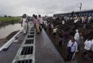 Two express trains derailed in Harda