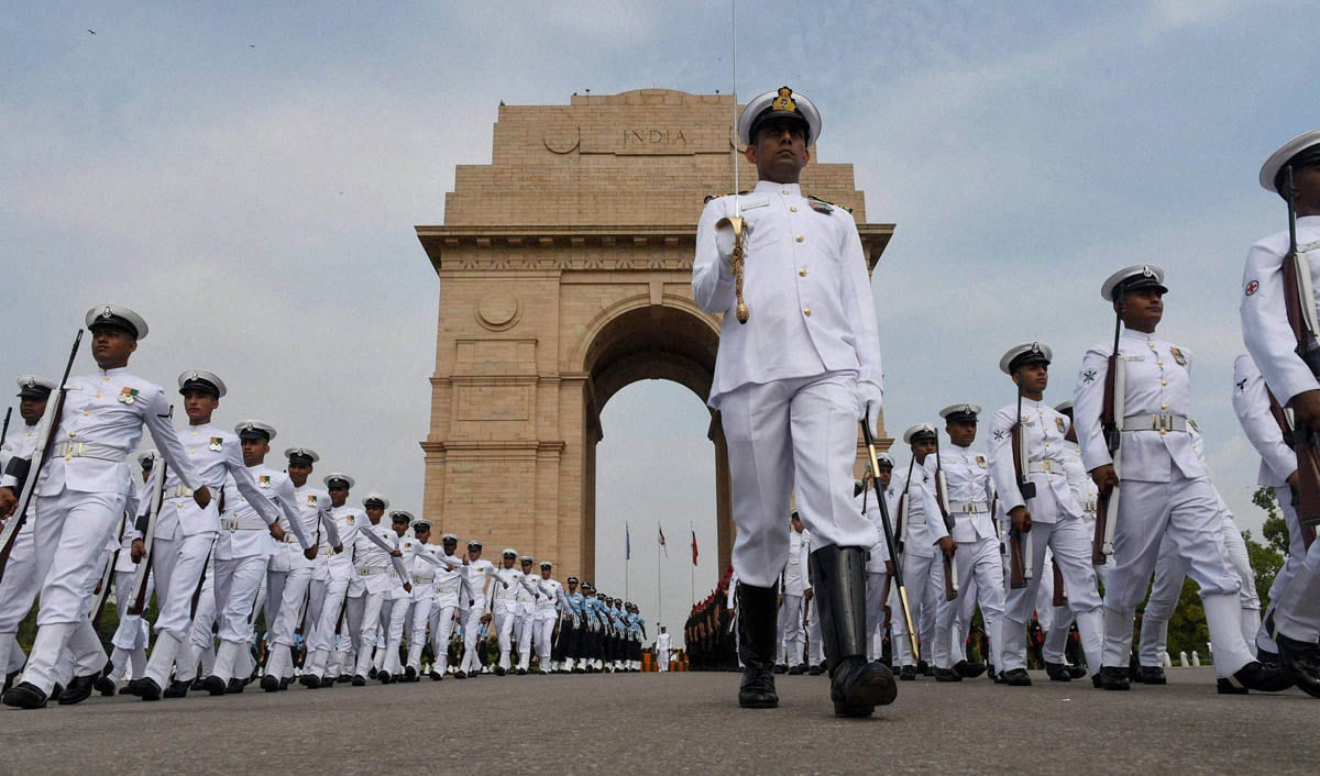 Navy jawans, leave, after, Kargil Vijay Diwas, function, Amar Jawan Jyoti, New Delhi