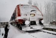 Heavy rain, snowfall in J&K; rail traffic suspended