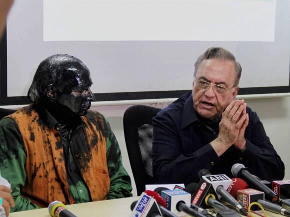 Kulkarni ink attack, Kasuri book launch, Shiv Sena, Sudheendra Kulkarni, Former Foreign Minister of Pakistan, Khurshid Mahmud Kasuri, ORF Chairman Sudheendra Kulkarni