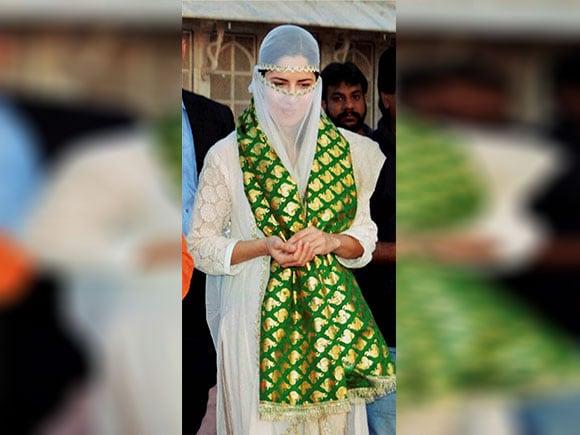 Katrina Kaif, Sheikh Salim Chishti dargah, dargah, Masjid