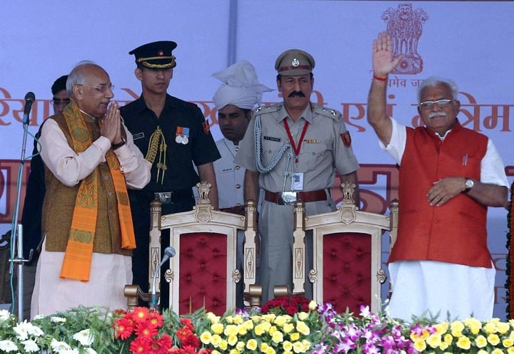 Chief Minister, Manohar Lal Khattar, waves, administered,  oath, office, Haryana Governer, Kaptan Singh Solanki, Panchkula