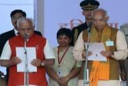 Haryana Governor Kaptan Singh Solanki administers oath to the new Chief Minister Manohar Lal Khattar