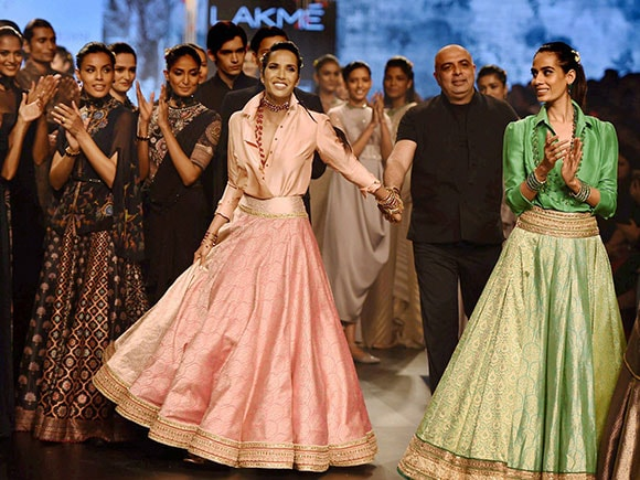 Super model Padma Lakshmi walks for Tarun Tahiliani during Lakme Fashion Week