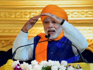 Narendra Modi addresses the gathering during 350th birth anniversary celebrations of Guru Gobind Singh