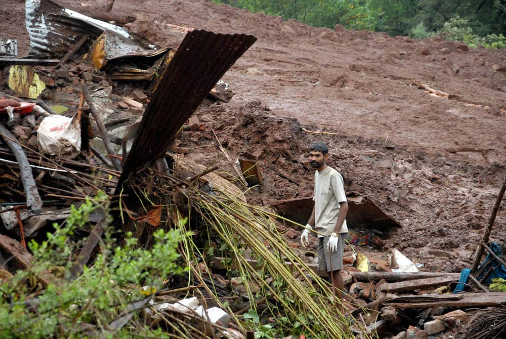 villager, search, family members, debris, house, landslide, Malin village