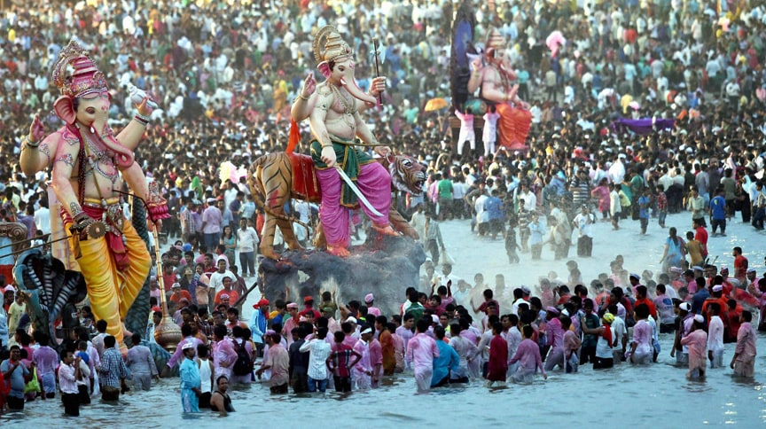 Devotees, carrying, idols, Ganpati Visarjan, procession
