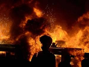 A massive fire broke out on Stage during a cultural event at the Make In India week in Mumbai 05