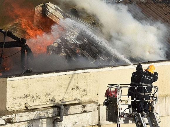 Colaba Fire, Colaba Causeway Fire, Fire in Colaba Today, Fire at Colaba Today, Fire in Colaba, Fire at Colaba, Colaba Fire News, Colaba Fire News