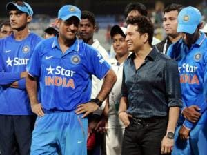 Bharat Ratna Sachin Tendulkar along with India team