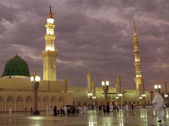 mecca medina, medina attack, medina explosion, medina blast, blast at medina, bombing in medina, blast in medina, medina mosque