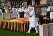 Modi pays his respects at Rajghat
