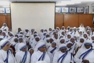 Nuns praying to pay tribute to Sister Nirmala Joshi