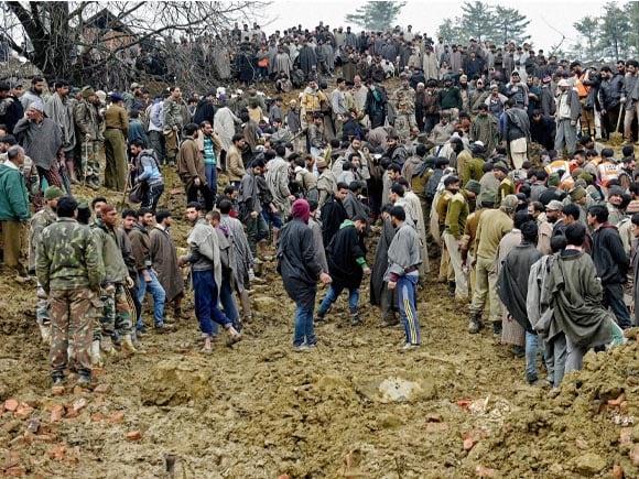 Kashmir, Floods, Budgam, Srinagar, Anantnag, Army, Police, Rescue Operation, Laden, Chadoora