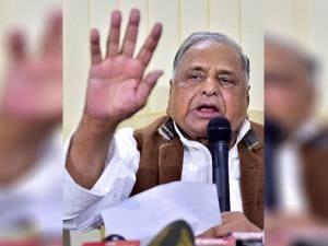 Mulayam Singh Yadav addresses a  press conference at his residence in New Delhi