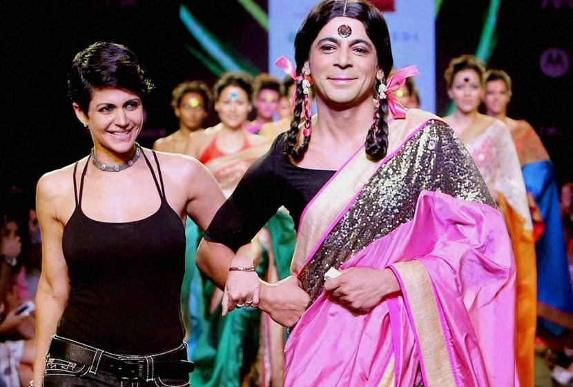 Actor, Sunil Grover, dressed, famous character, Guthhi, walks, ramp, actresss, Mandira Bedi, Fashion show, Mumbai
