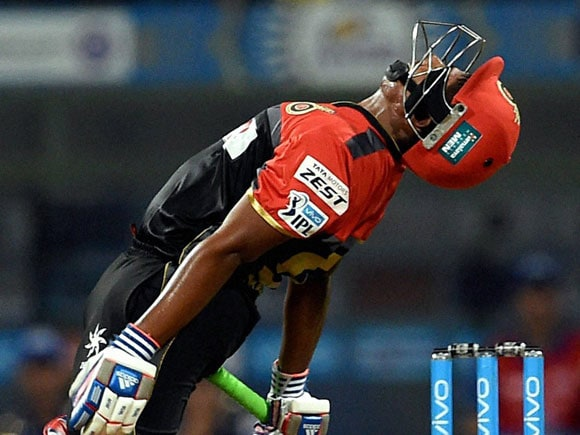 Mumbai Indians, Royal Challengers Bangalore, RCB vs MI, IPL table point,Gayle, Chris Gayle, Virat Kohli, Krunal Pandya, Pollard, Rohit Sharma, Travis Head, AB de Villiers, Kane Richardson, Sarfaraz Khan, Mumbai Indians vs Royal Challengers Bangalore?, Cricket, IPL9, Mumbai??