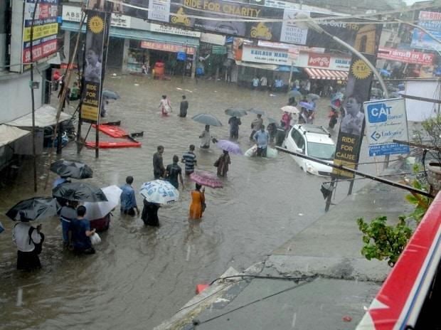 Mumbai rains, maharashtra rains, rainfalls, mumbai news, monsoon, monsoon 2017, mumbai flood, mumbai flooding, mumbi typhoon, weather news, mumbai weather news, heavy rain, waterlogged roads