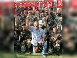 Nana Patekar with BSF personnels during a visit to BSF's Paloura camp in Jammu