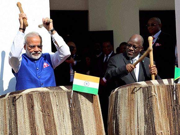 John Pombe Magufuli , PM Modi's Africa tour, Narendra Modi, Africa Tour, Tanzanian President, drums