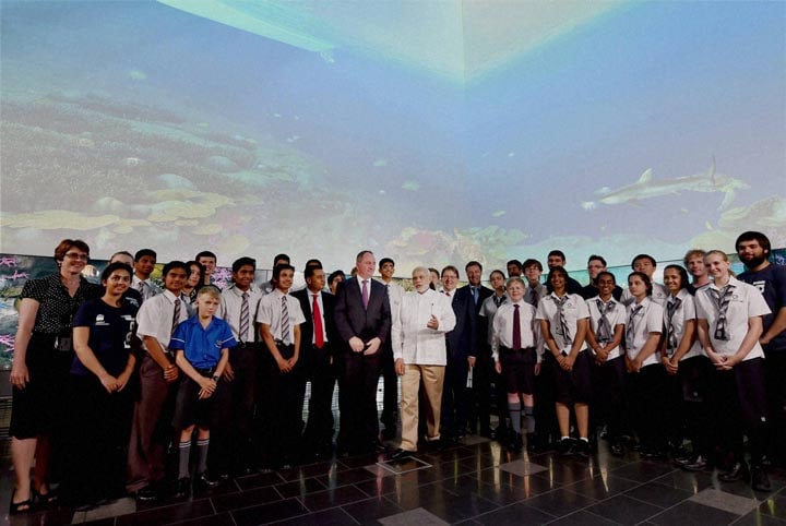 Prime Minister Narendra Modi, group photograph with students, Queensland University of Technology, Brisbane