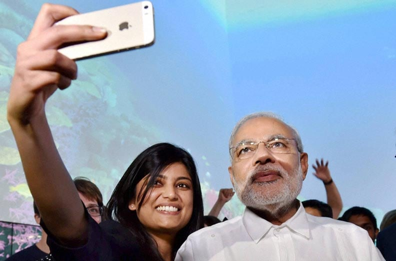 Prime Minister Narendra Modi, photo with students, Queensland University of Technology, Brisbane, australia