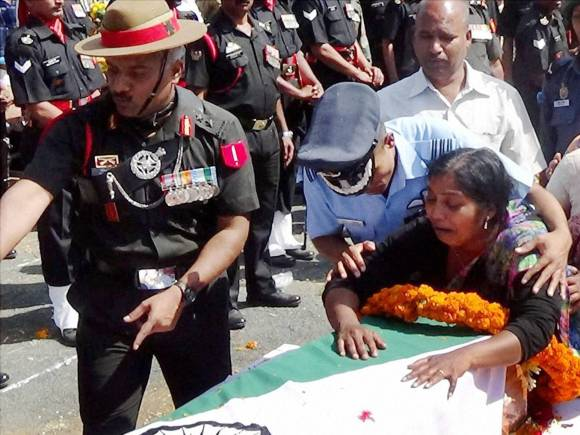 Colonel Santosh Mahadik, Santosh Mahadik, Army Jawan Santosh Mahadik, Terrorists, Colonel Santosh Mahadik who Died Fighting Terrorists, Col Mahadik who died fighting terrorists