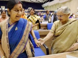 EAM Sushma Swaraj and former chief minister of Delhi, Sheila Dikshit during the inaugural session of the National Conference of Women Legislators