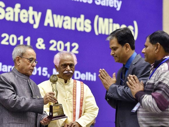 President of India, Pranab Mukherjee, National Safety Awards, Awards, Bandaru Dattatreya, Labour, Employment,  New Delhi