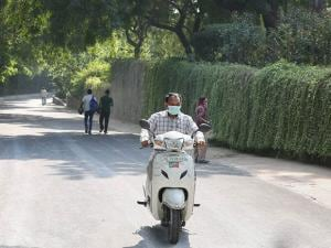 A view of a road at the National Zoological Park shuts down temporarily amid bird flu scare in New Delhi