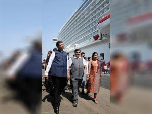 Nitin Gadkari with Maharashtra CM Devendra Fadnavis and his wife Amruta