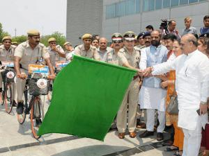 The Minister of State for Home Affairs, Shri Hansraj Gangaram Ahir flagging off the Bicycle Patrols by Delhi Police