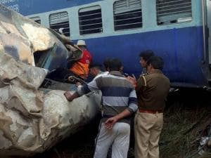 Over 100 dead as Indore-Patna Express derails in Kanpur